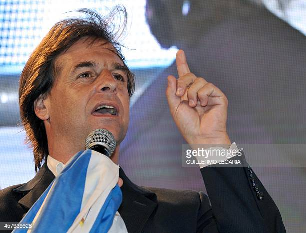 Uruguayan presidential candidate of the National Party Luis Lacalle Pou delivers a speech in Montevideo on October 26 after general elections Leftist...