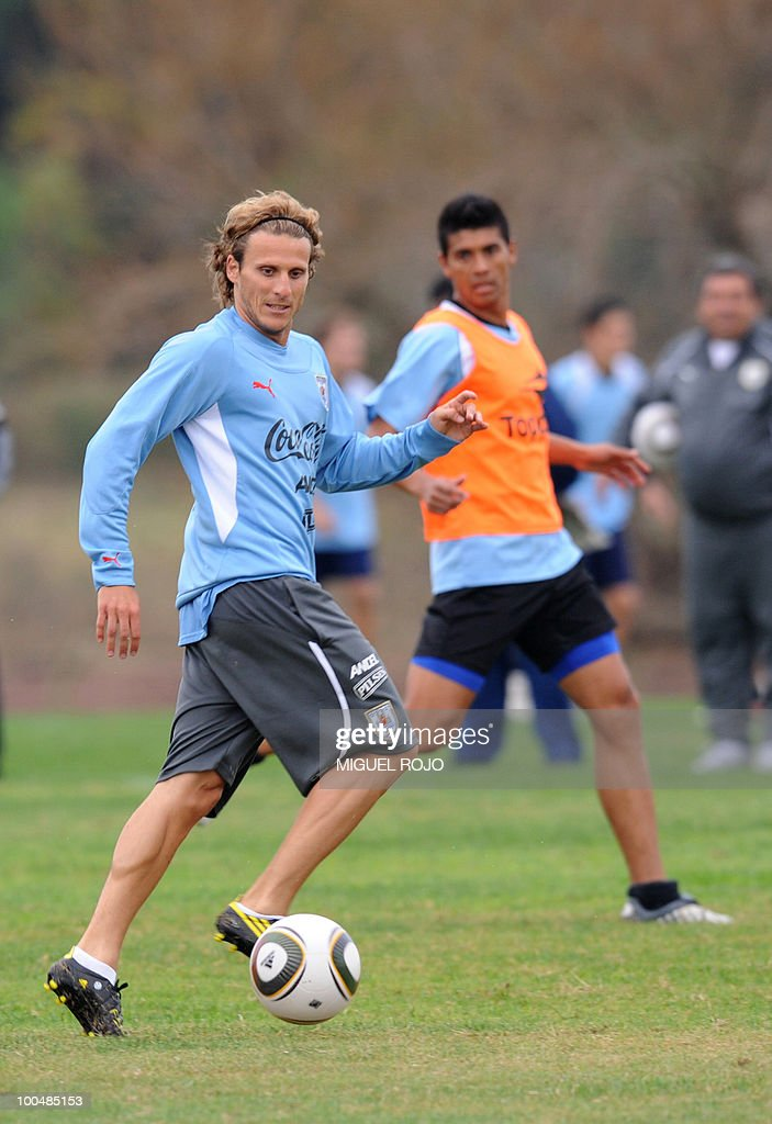 Uruguay's footballer Diego Forlan during a training session at the Uruguayan Football Association's sports complex in the department of Canelones, near Montevideo, on May 24, 2010. Uruguay's South Africa 2010 World Cup campaign kicks off against France in Cape Town on June 11th.