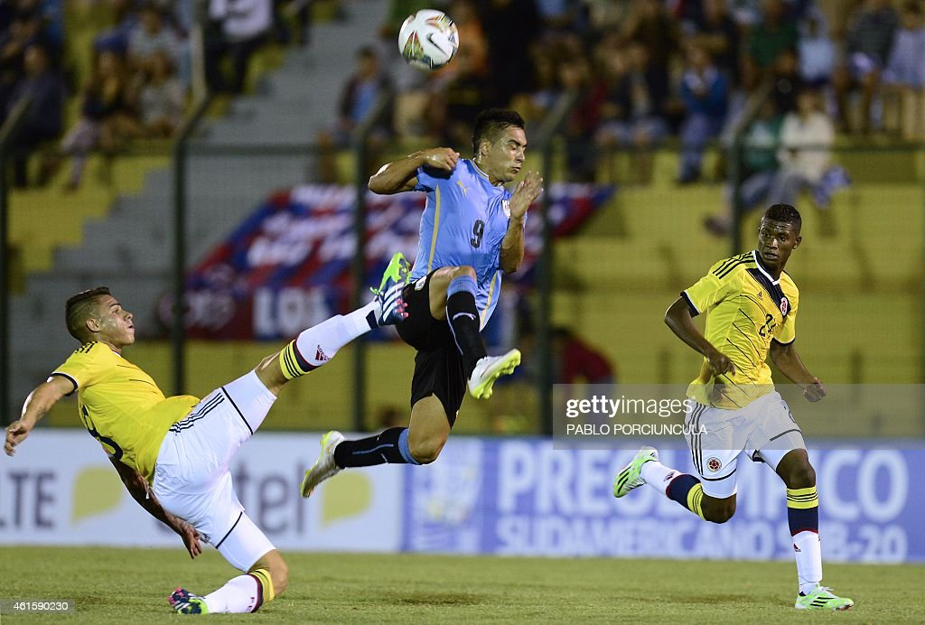 FBL-U20-SOUTHAM-URU-COL : News Photo