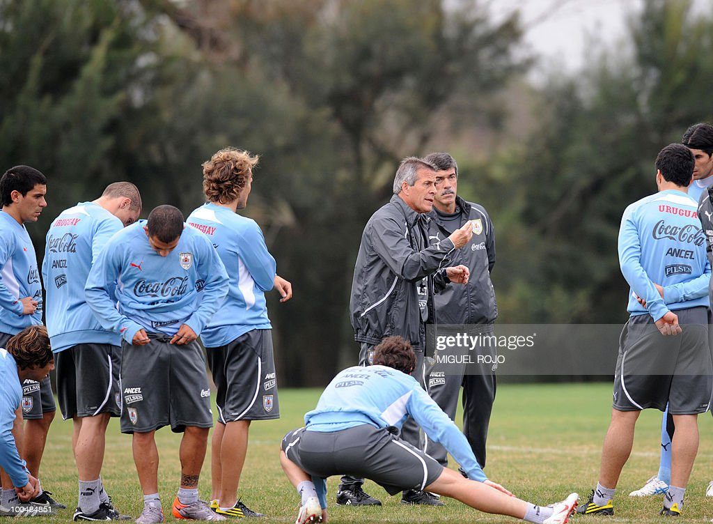 Uruguay's national football team coach, Oscar Washington Tabarez (C) commands a training session at the Uruguayan Football Association's sports complex in the department of Canelones, near Montevideo, on May 24, 2010. Uruguay's South Africa 2010 World Cup campaign kicks off against France in Cape Town on June 11th.