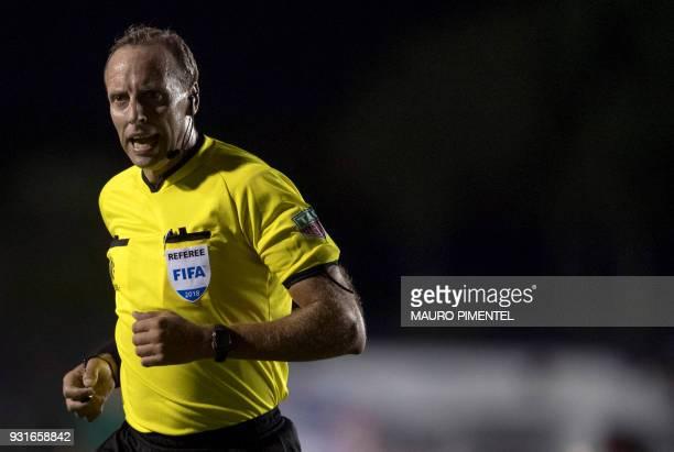 Uruguay's referee Daniel Fedorczuk during 2018 Libertadores Tournament match between Chile's Universidad De Chile and Brazil's Vasco da Gama at Sao...