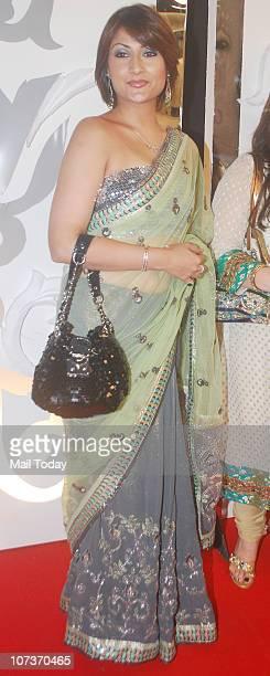 Urvashi Dholakia at Zee Rishtey Awards 2010-Jashn 18 Saalon Ka at MMRDA Grounds, Bandra Kurla Complex in Mumbai on 4th December, 2010