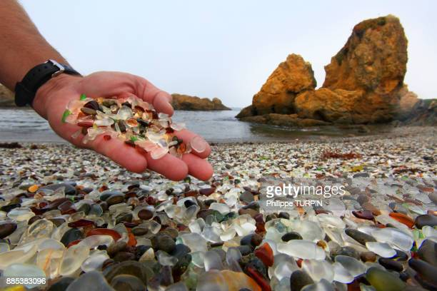 usa, californie, fort bragg. glass beach - fort bragg stock pictures, royalty-free photos & images