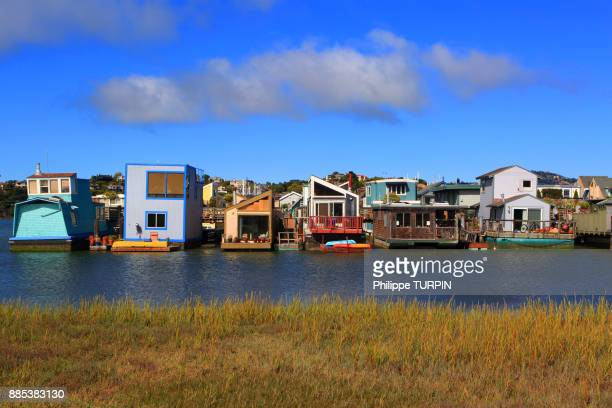 usa, californie, san francisco, sausalito, houseboats. - houseboat stock pictures, royalty-free photos & images