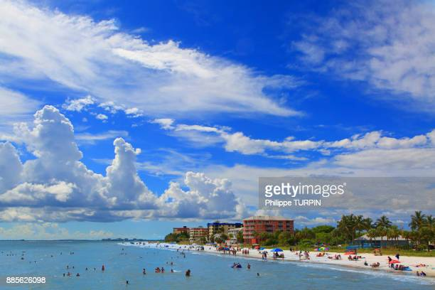 usa, florida, fort myers beach.the beach. - fort myers beach stock pictures, royalty-free photos & images