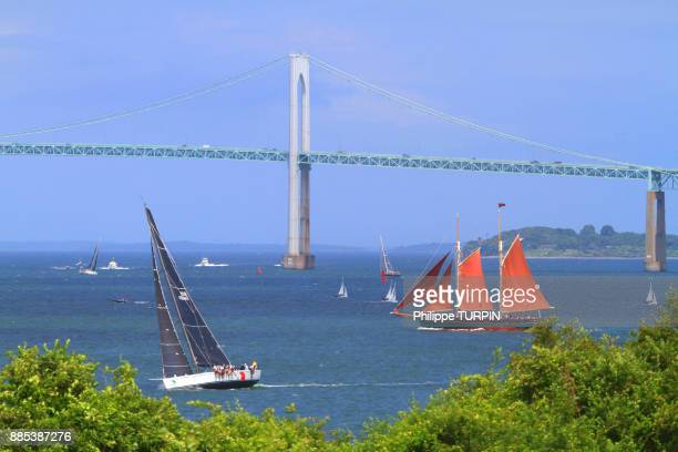 usa, rhode island. newport. caliborne pell newport brigde - newport rhode island stock pictures, royalty-free photos & images