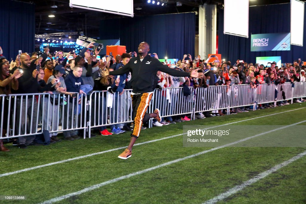 Usain Bolt And Gatorade Help Rich Eisen Train For The Combine : News Photo