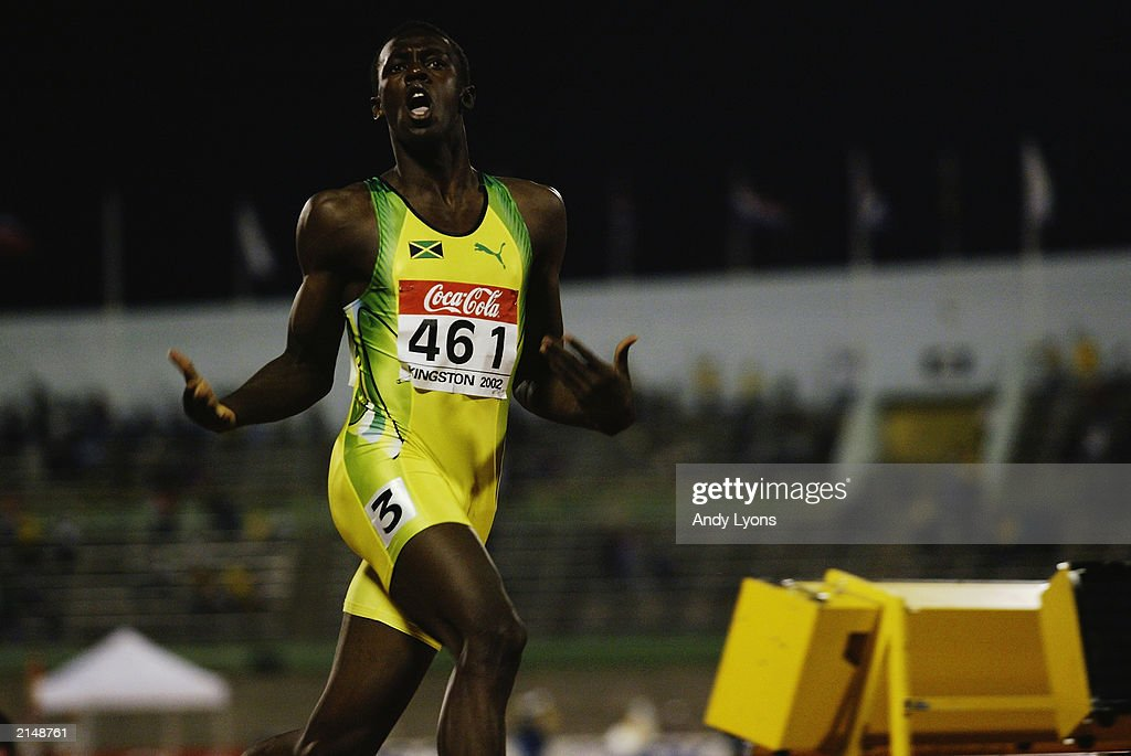 Usain Bolt of Jamaica celebrates winning the 200 metres final  : News Photo