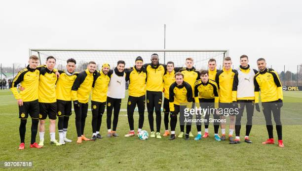 Usain Bolt together with the team during Borussia Dortmund's training session at the training ground on March 23 2018 in Dortmund Germany