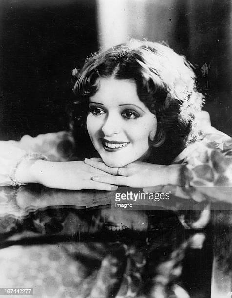 USamerican actress Clara Bow About 1932 Photograph Die USamerikanische Schauspielerin Clara Bow Um 1932 Photographie