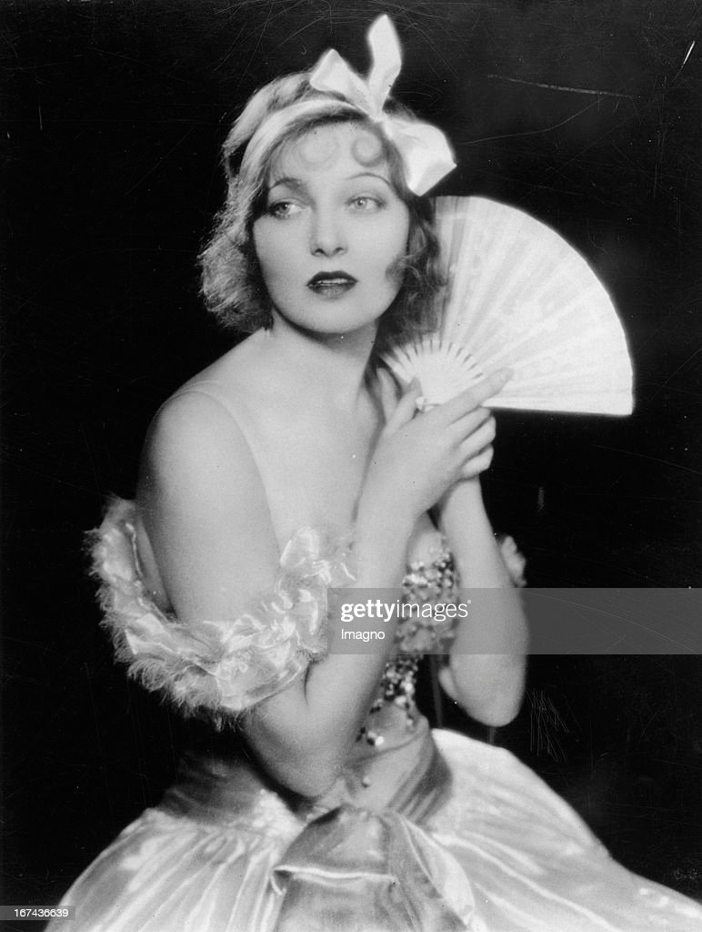 US-american actress Corinne Griffith. About 1925. Photograph. (Photo by Imagno/Getty Images) Die US-amerikanische Schauspielerin Corinne Griffith. Um 1925. Photographie.