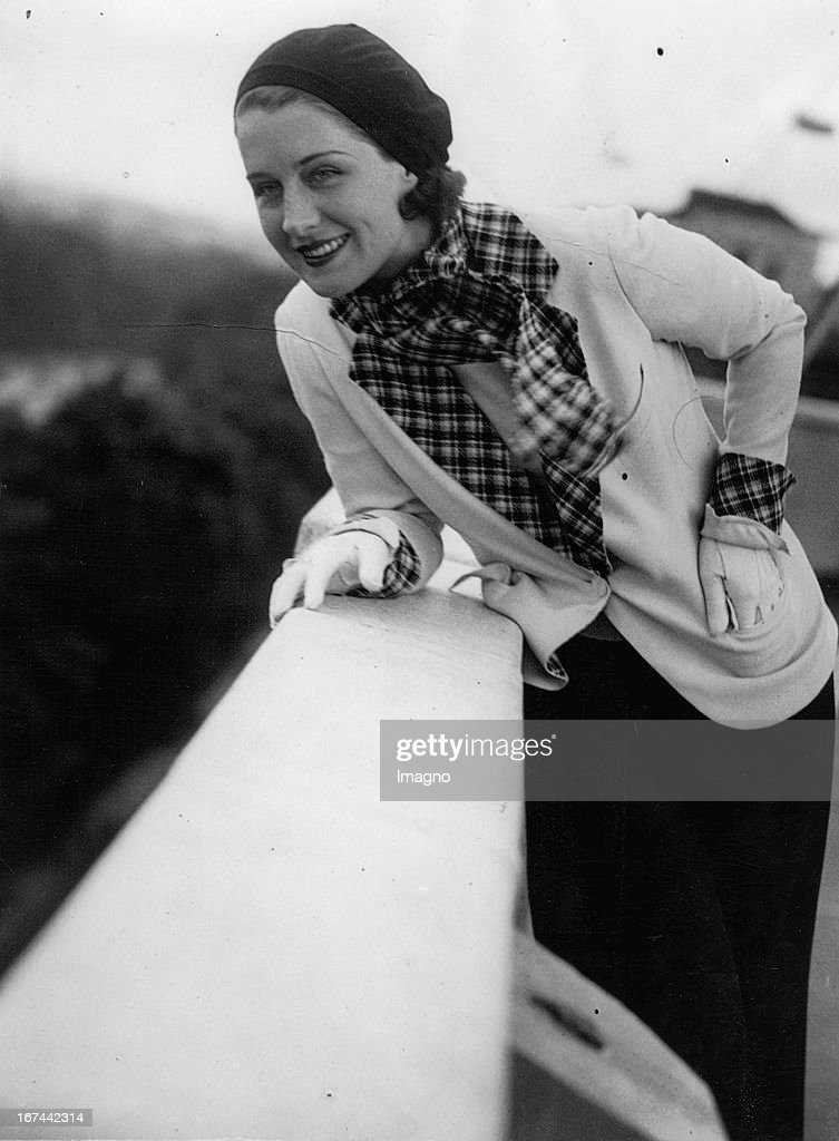 US-american actress Norma Shearer on the roof of the Dorchester Hotel in London. About 1933. Photograph. (Photo by Imagno/Getty Images) Die US-amerikanische Schauspielerin Norma Shearer am Dach des Dorchester Hotel in London. Um 1933. Photographie.