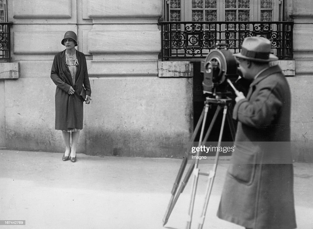 US-american tennis player Helen Wills Moody in Paris. About 1932. Photograph. (Photo by Imagno/Getty Images) Die US-amerikanische Tennisspielerin Helen Wills Moody in Paris. Um 1932. Photographie.