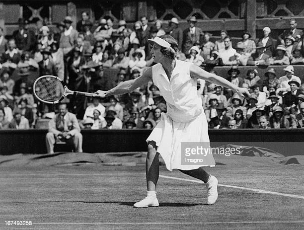 USamerican tennis player Helen Wills Moody in the final at Wimbledon 1st July 1932 Photograph Die USamerikanische Tennisspielerin Helen Wills Moody...