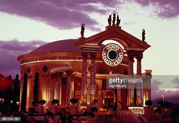 usa,nevada,las vegas,caesar's palace,'tempieto' entrance,dusk - シーザースパレス ストックフォトと画像