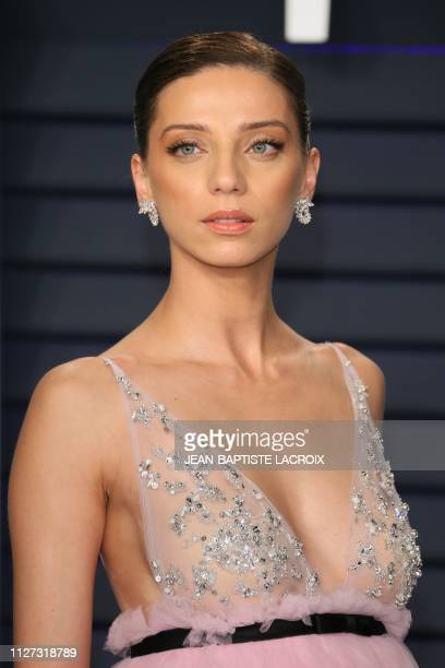 USArmenian actress Angela Sarafyan attends the 2019 Vanity Fair Oscar Party following the 91st Academy Awards at The Wallis Annenberg Center for the...