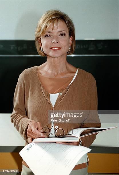 Uschi Glas als Lehrerin SAT1 Sylvia Eine Klasse für sich 1997