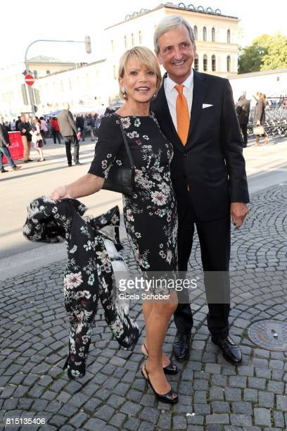 Uschi Glas and her husband Dieter Hermann at the MercedesBenz reception at 'Klassik am Odeonsplatz' on July 15 2017 in Munich Germany