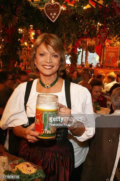 Uschi Glas Bei Der Davidoff Nacht Im Hippodrom Beim Oktoberfest In München