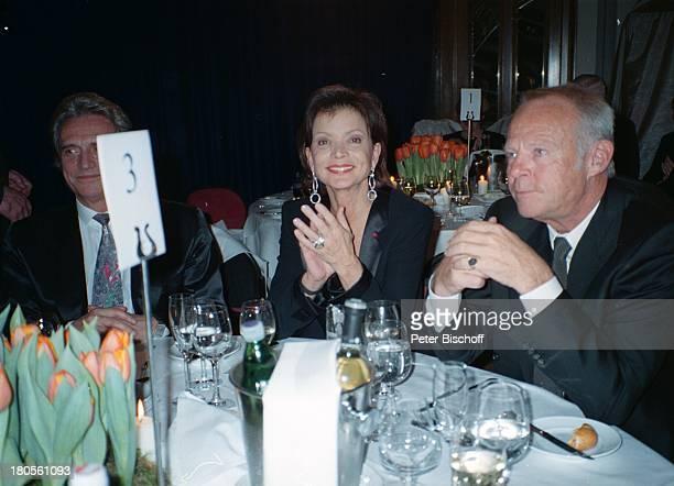 Uschi Glas, Ehemann Bernd Tewaag , Name folgt , Feier zum 70. Geburtstag von K A R L S P I E H S, Baden bei Wien/; sterreich,...
