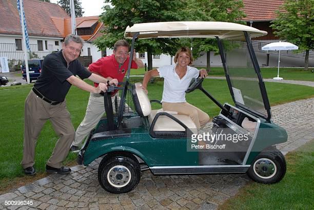 Uschi Glas Frank Wössner Dr Matthias Esche GolfVeranstaltung Bavaria Film Cup 2007 Golfclub München Riedhof München Bayern Deutschland Europa im...
