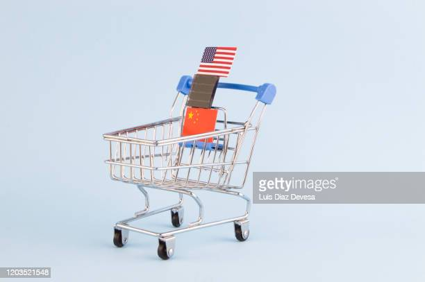 us-china  trade wars for technological supremacy - global trade war stock pictures, royalty-free photos & images