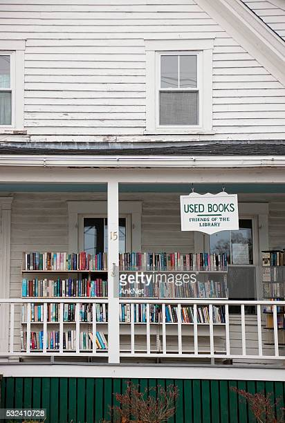 used book shop in boothbay harbor, maine - reseller stock photos and pictures