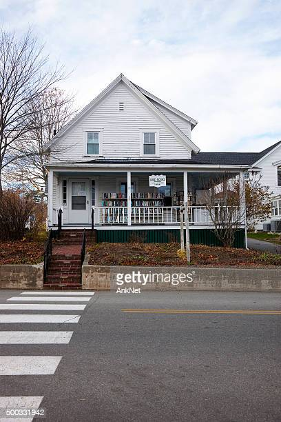 used books shop in boothbay harbor, maine - reseller stock photos and pictures