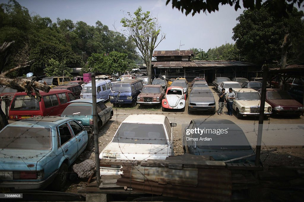 Motor Show Highlights Indonesian Ageing Car Problem Photos and ...