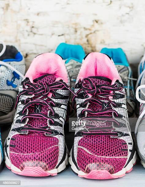 Usar sapatos de ténis pronto para Doação