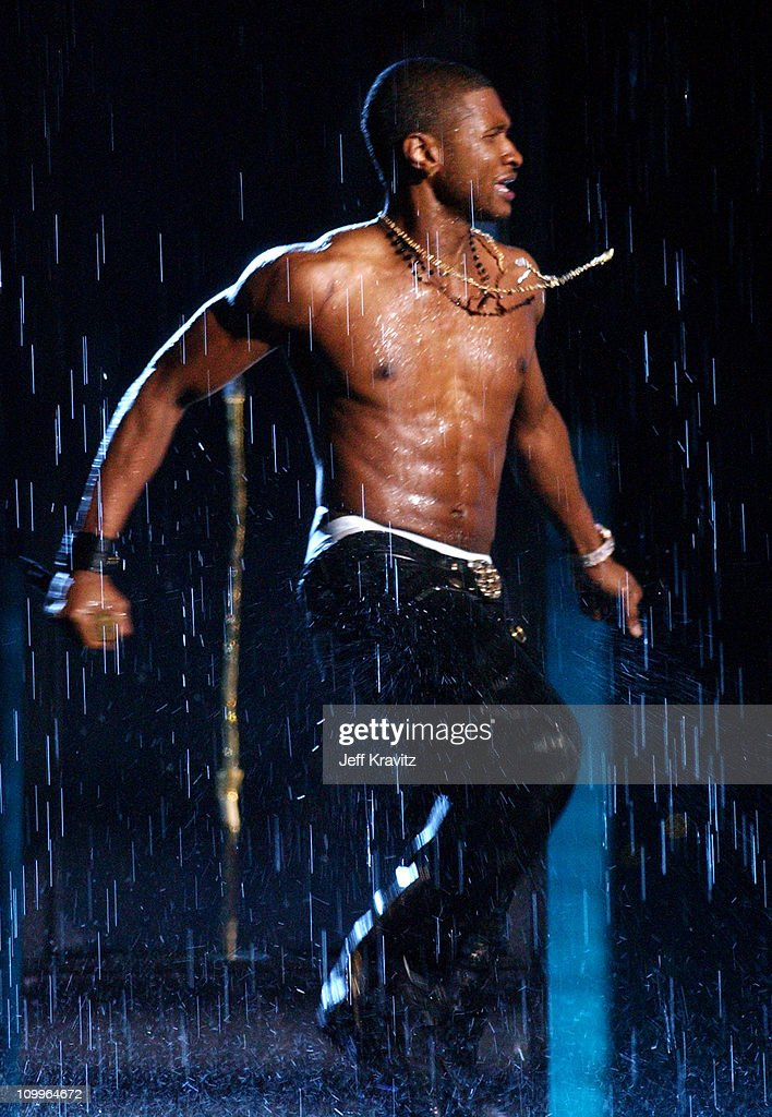 Usher during 2004 MTV Video Music Awards - Show at American Airlines Arena in Miami, Florida, United States.