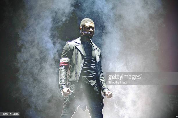 Usher performs at the United Center on November 17 2014 in Chicago Illinois