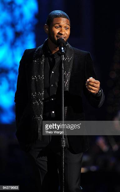Usher performs onstage during TNT's Christmas in Washington 2009 at the National Building Museum on December 13 2009 in Washington DC Christmas in...