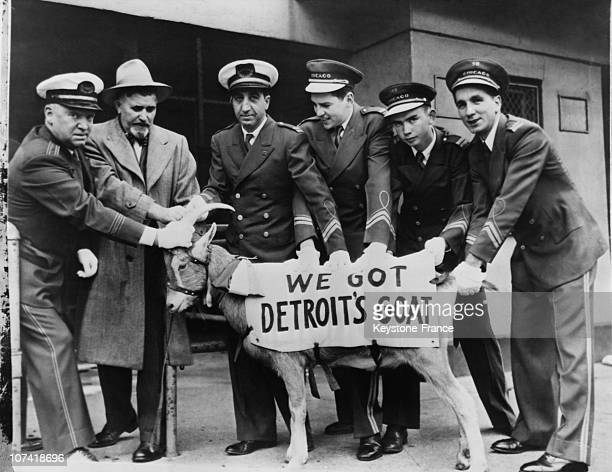 Ushers Grabbing With Detroit S Goat At Chicago In Illinois On June 1945