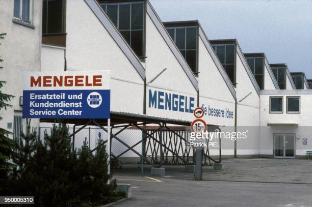 Usine des neveux de Joseph Mengele, pendant l'affaire de l'exhumation du corps du médecin Nazi en juin 1986 à Gunsburg en RFA.