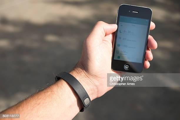 Using Fitbit Flex Activity Tracker Smartphone Application