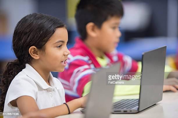 Utilizando ordenadores portátiles en el Laboratorio de computación
