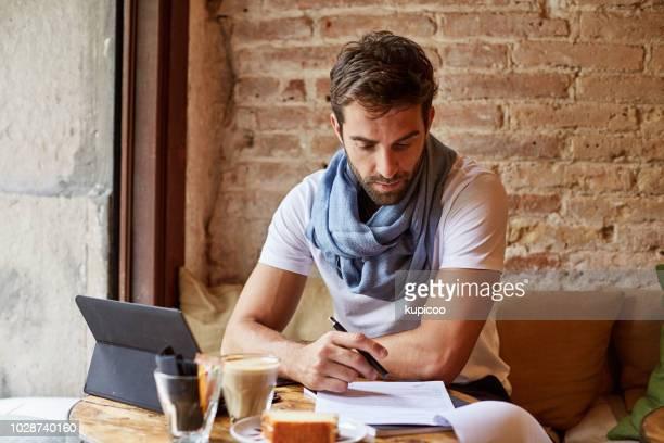 いくつかの研究を行うに wifi を使用してください。