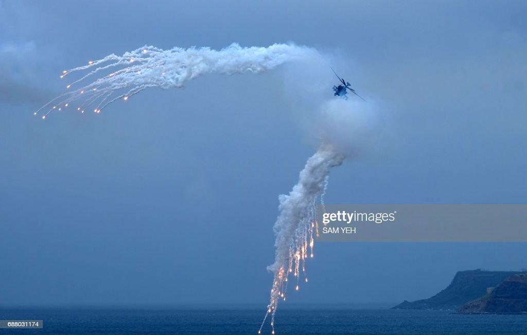 TOPSHOT-TAIWAN-MILITARY-DRILL : News Photo
