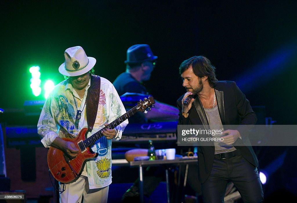 MEXICO-COLOMBIA-MUSIC-SANTANA-JUANES : News Photo