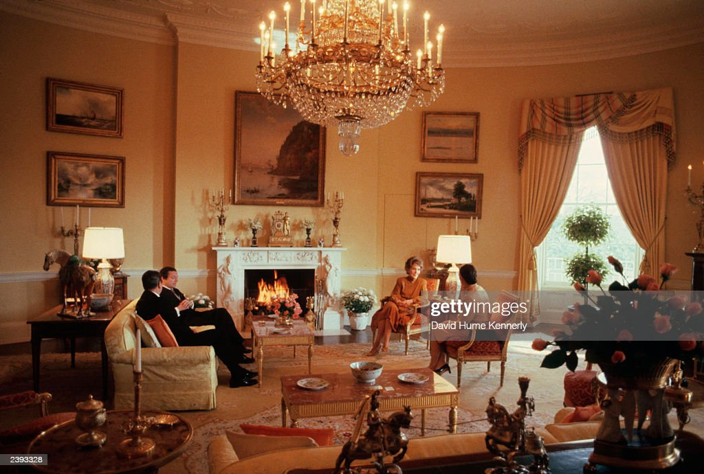 The Reagans Host The Swedish King And Queen : News Photo