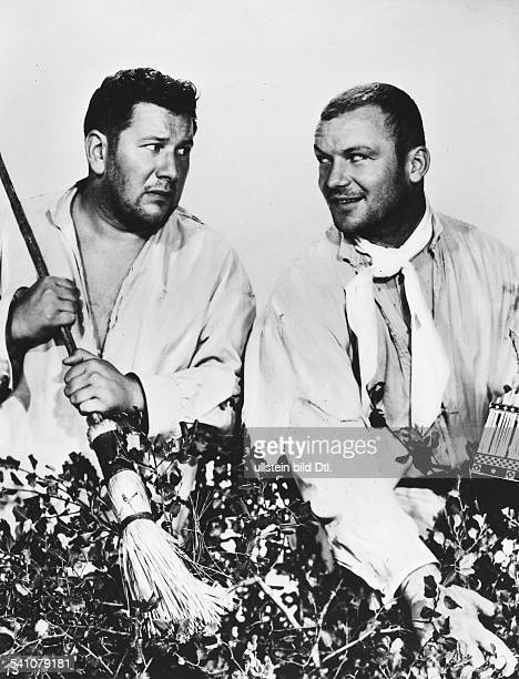 Ustinov Peter Actor Great Britain * Scene from the movie 'We're No Angels'' with Aldo Ray Directed by Michael Curtiz USA 1955 Produced by Paramount...