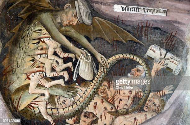 usurers or bankers in hell fresco (1492-1530) notre dame des fon - church of satan stock pictures, royalty-free photos & images