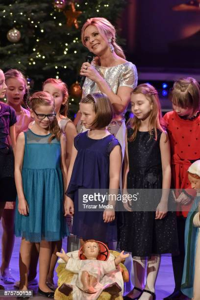 Uta Bresan performs during the Stefanie Hertel Show 'Die grosse Show der Weihnachtslieder' on November 17 2017 in Suhl Germany