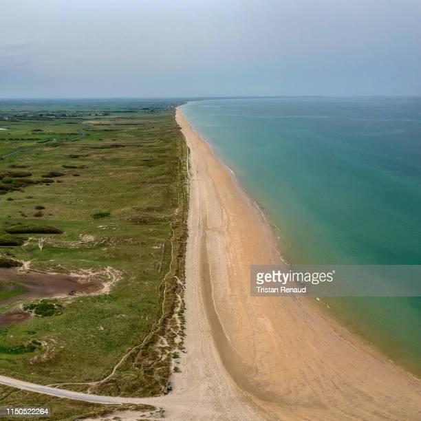 utah beach - cotentin photos et images de collection