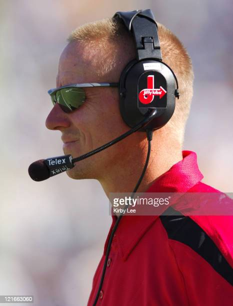 Utah defensive coordinator coach Gary Andersen watches from the sidelines during 31-10 loss to UCLA in nonconference game at the Rose Bowl in...