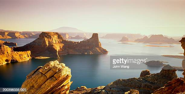 USA, Utah, Lake Powell at sunrise