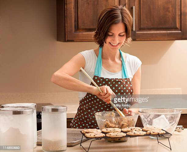 USA, Utah, Lehi, Woman preparing chocolate cookies