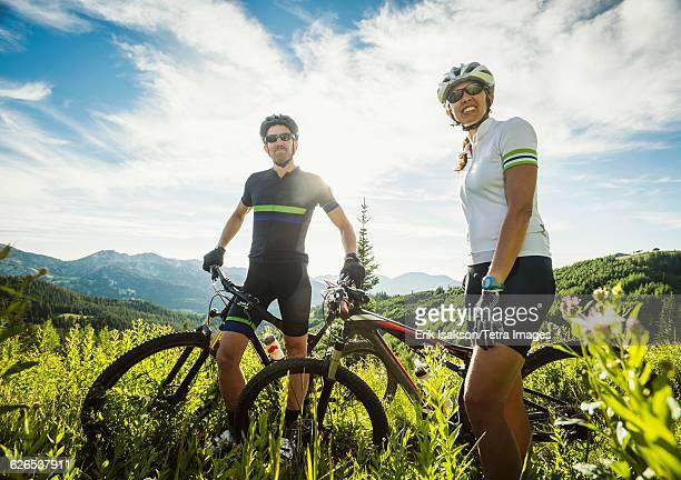 USA, Utah, Salt Lake City, Mature couple during bicycle trip in mountain scenery