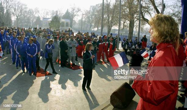 Utah school children perform for the China French Uzbekistan and Yugoslavia Olympic teams at the Olympic Village 06 February 2002 during arrival...